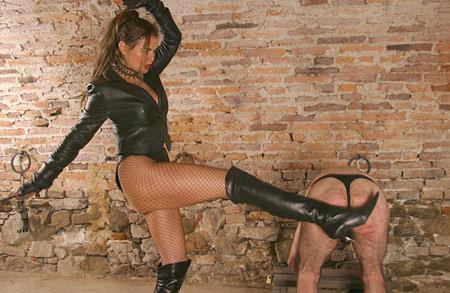 dominatrix dinah boots