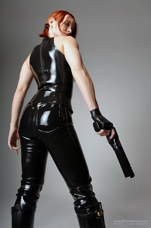 cindy synnet latex gun babe ass
