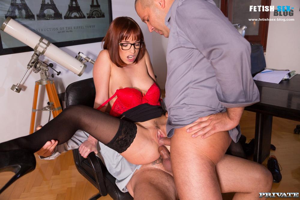 Boss Fucks Sexy Secretary